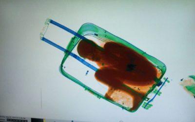El padre de Abou manifiesta que no sabía que su hijo iba a entrar en maleta